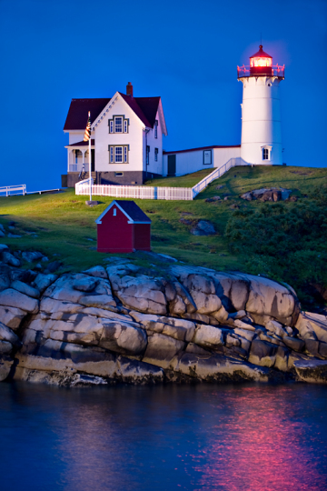 5_3PL7094-Nubble-Lighthouse-250-for-web