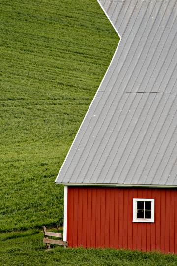 D4P1065-barn-crop-tc-250-final-copy