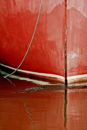 3PL0353-Red-Boat-Bow-250-2010